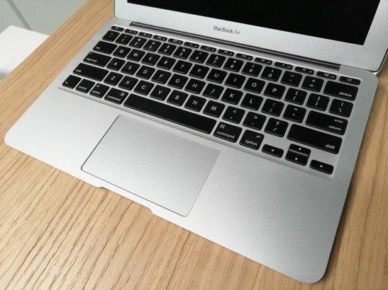 APPLE MACBOOK AIR A1465 i5-3317U 4GB 60GB SSD OSX