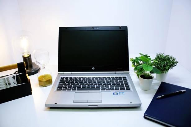 HP 8460p i5-2520M 8GB 240GB SSD WIN 10 HOME